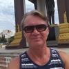 Alex, 60, г.Пномпень